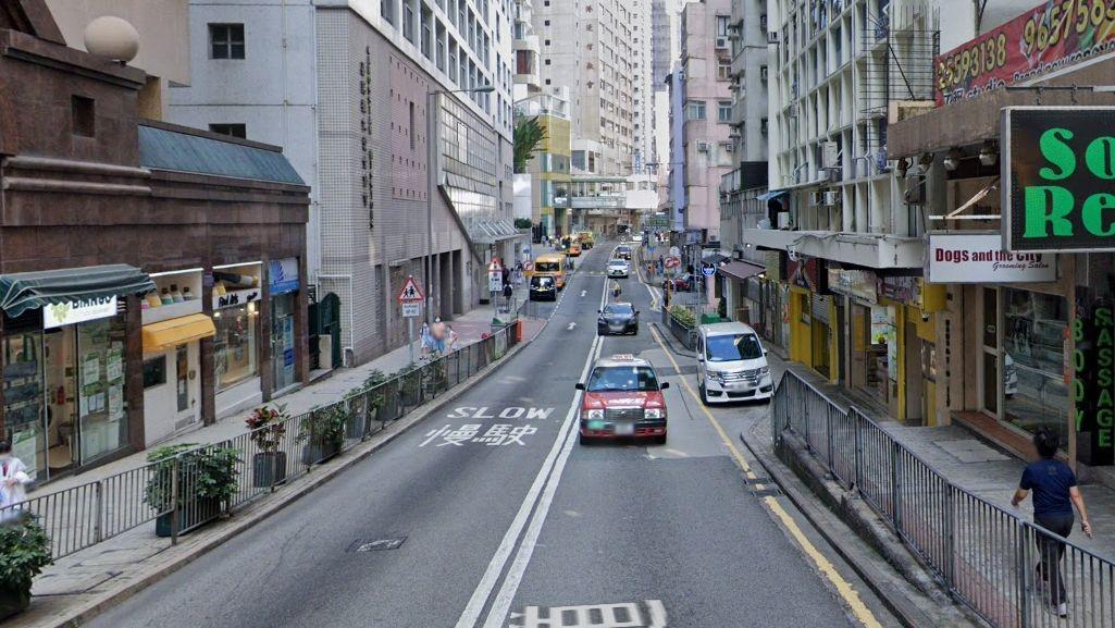 Wanita Hong Kong Berusia 32 Tahun Meninggal Di Jalan Lalu Lintas Caine Road Central Akibat Jatuh Dari Gedung