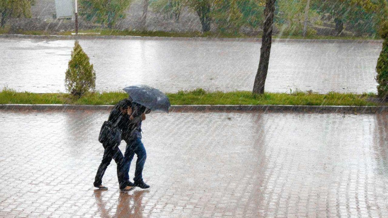 Peringatan Hujan Besar Dan Badai Petir Di Hong Kong Pada Hari Ini 4 Juni 2021